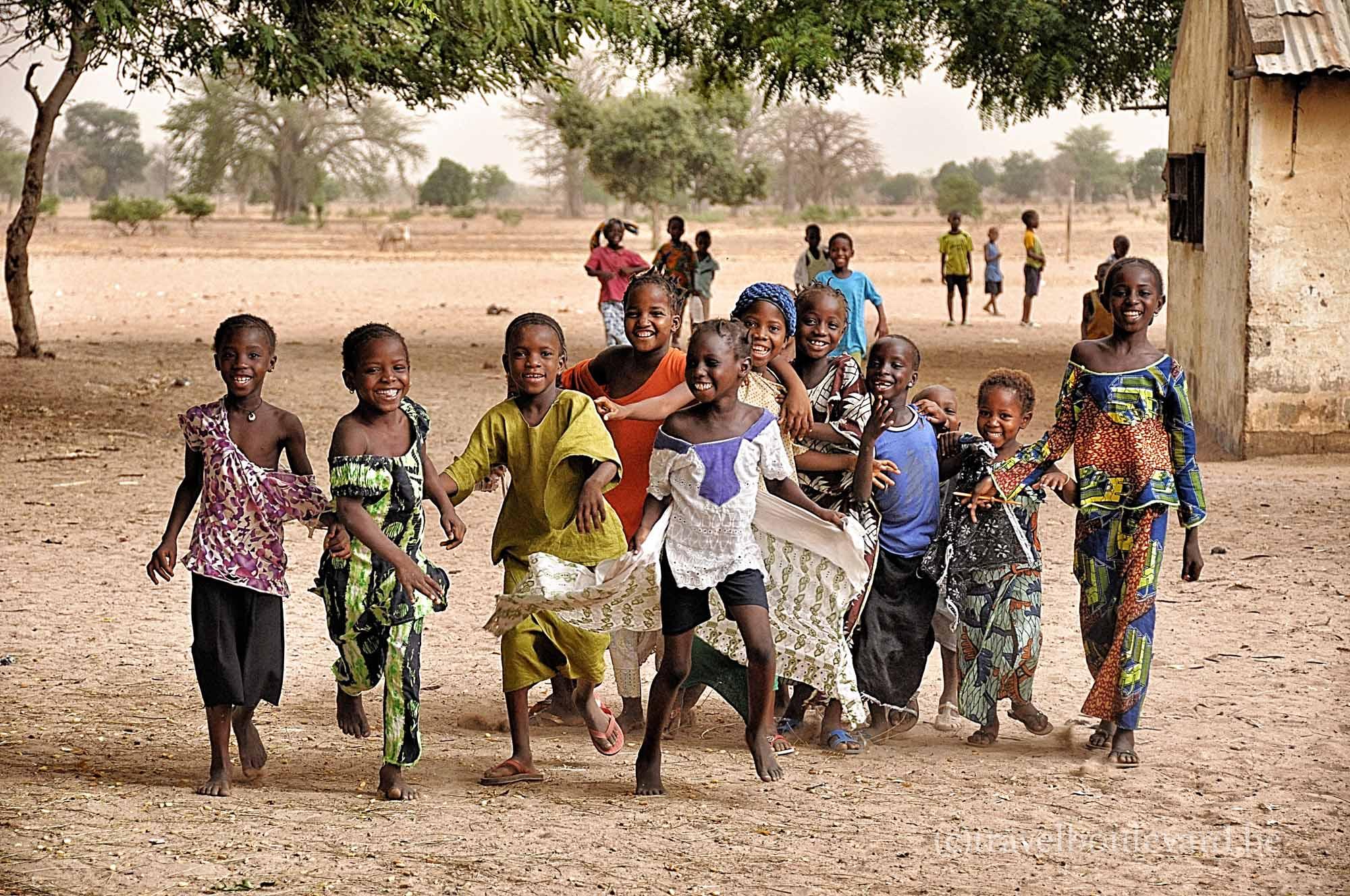 🌍✈ POTOPISNE SREDE iz »dnevne sobe«: GAMBIJA